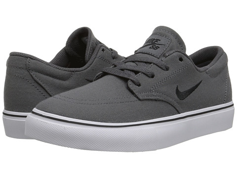 Nike SB Kids - SB Clutch (Big Kid) (Dark Grey/White/Black) Boy's Shoes