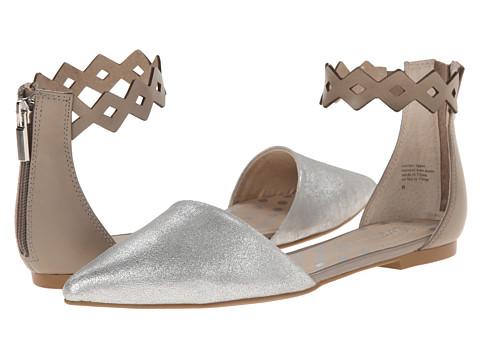 Seychelles - Dainty (Silver) Women's Flat Shoes