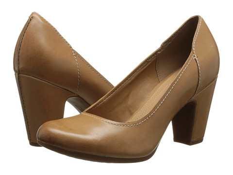 Clarks - Leosa Claire (Beige Leather) Women's Shoes
