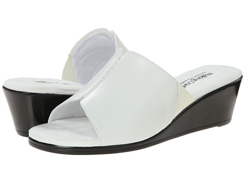 Walking Cradles - Nestle (White Cashmere) Women's Slide Shoes