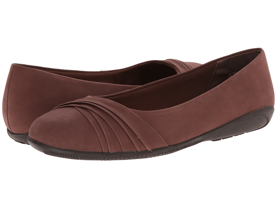 Walking Cradles - Flick (Tobacco Nubuck) Women's Slip on Shoes