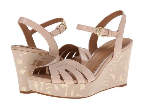 Clarks - Amelia Page (Nude Leather) Women's Wedge Shoes