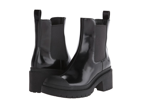 Marc by Marc Jacobs - Dipped Chelsea Ankle Boot (Black Painted Vacchetta) Women's Pull-on Boots