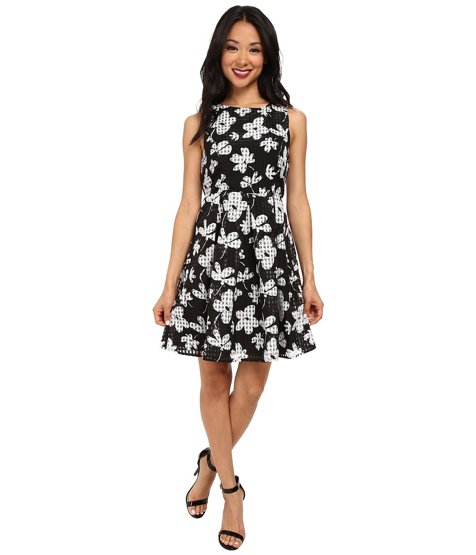 Yumi - Large Scale Floral Check Print Dress w/ Special Back Detail (Black) Women's Dress