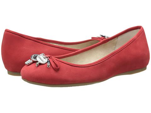 BCBGeneration Beckie (Cherry Elko Nubuck) Women's Flat Shoes