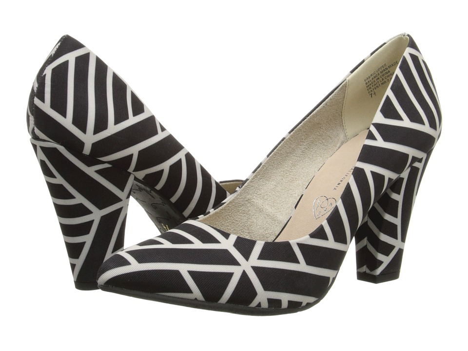 BC Footwear - Penthouse Print (Black/White Print) Women's Flat Shoes