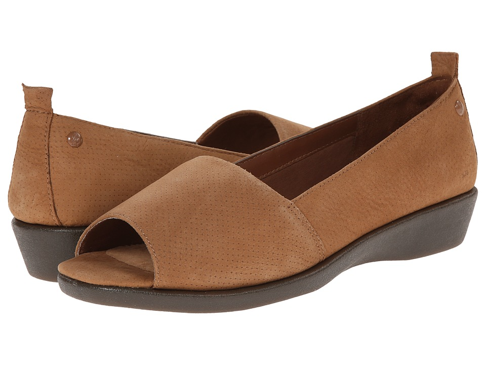 Hush Puppies - Petra Carlisle (Tan Nubuck) Women's Sandals
