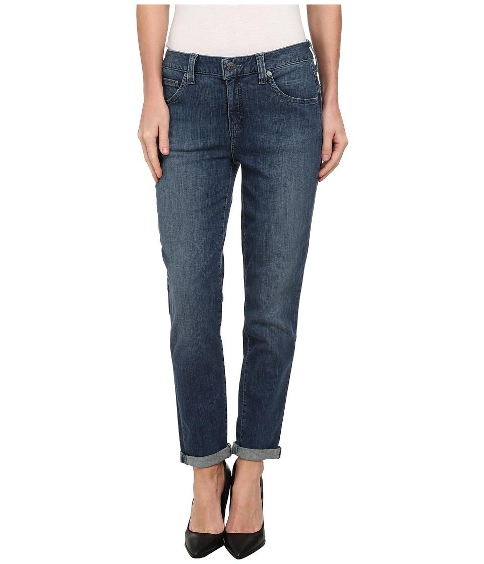 Miraclebody Jeans - Avery Slim Boyfriend in Malibu (Malibu) Women's Jeans