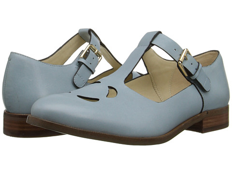 Clarks - Orla Bobbie (Pale Blue Leather) Women's Dress Flat Shoes