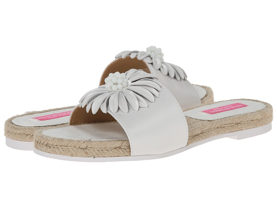 Isaac Mizrahi New York - Magnolia (White) Women's Slide Shoes