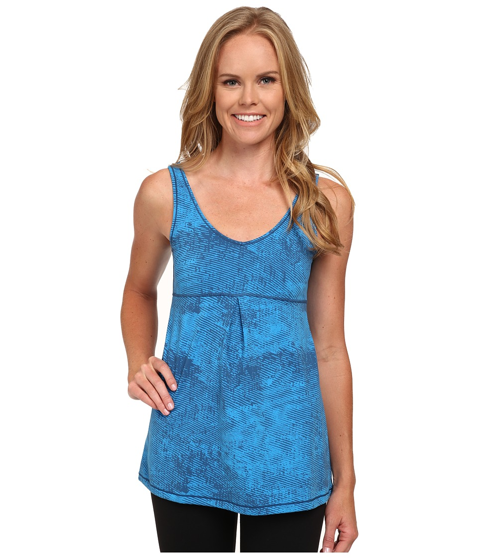 Lucy - Core Up Tunic (Bright Blue Ripple Print) Women's Workout