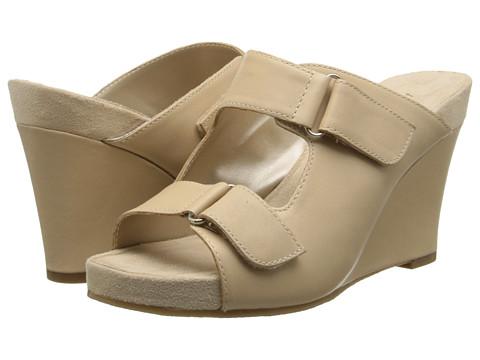 Aerosoles - Berry Plush (Bone Leather) Women's Wedge Shoes