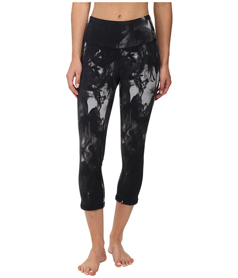 Lucy - Perfect Core Capri Legging (Fossil Smoke Print) Women