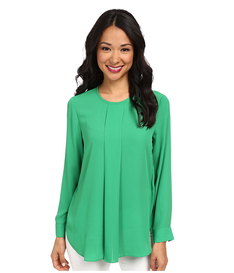 Vince Camuto - Long Sleeve Crew Neck Center Pleat Blouse (Lush Green) Women's Blouse