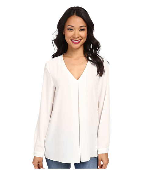Vince Camuto - Long Sleeve V-Neck Blouse w/ Inverted Front Pleat (New Ivory) Women's Blouse