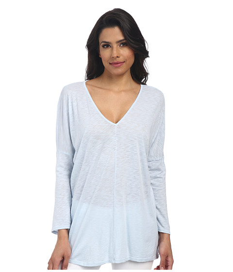Velvet by Graham & Spencer - Vasena Long Sleeve V-Neck Top (Sky) Women's Clothing