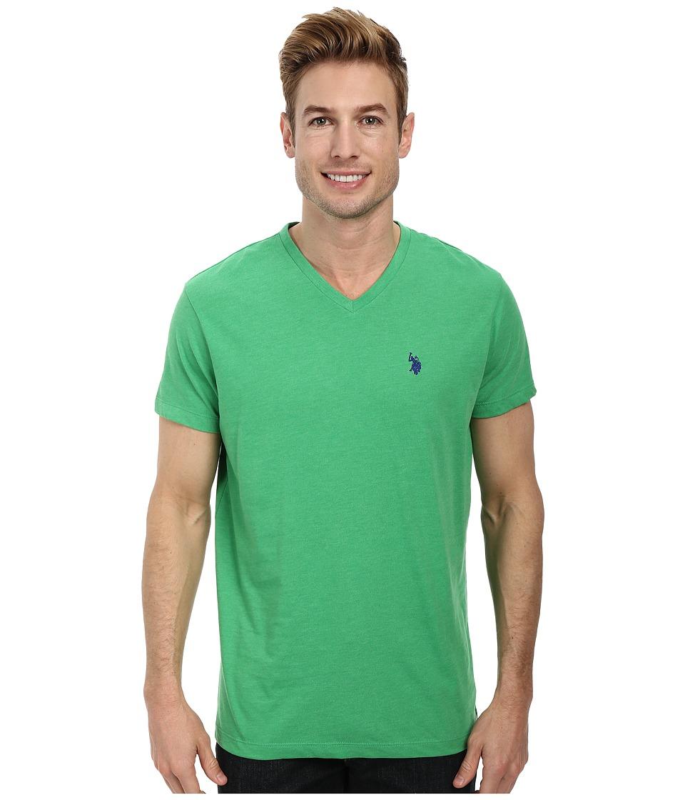 U.S. POLO ASSN. - V-Neck Short Sleeve T-Shirt (Grass Heather) Men's Short Sleeve Pullover