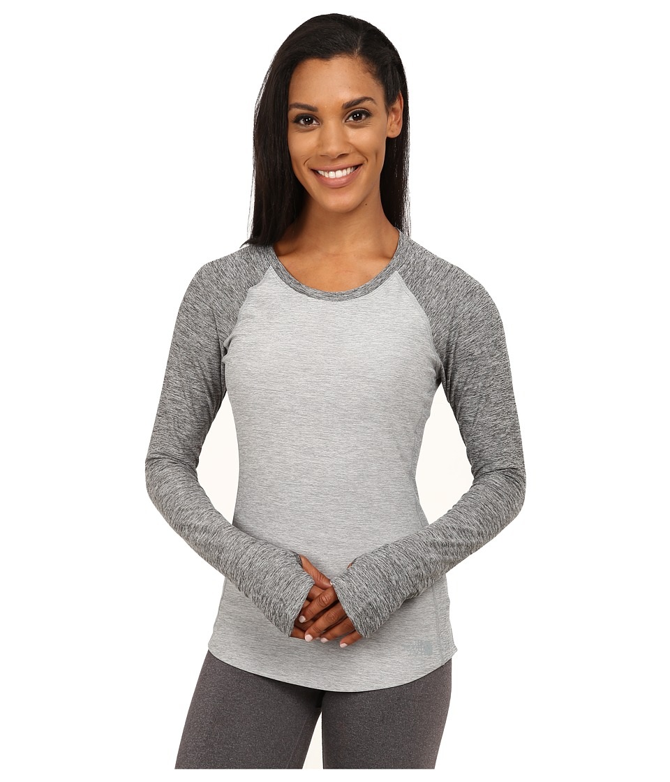 The North Face - Motivation Long Sleeve Shirt (Monument Grey Heather/Asphalt Grey Heather) Women's Long Sleeve Pullover