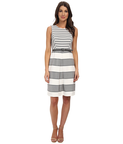 Nine West - Sleeveless Scoop Neck A-Line Dress w/ Center Front Pleat (Black/White) Women