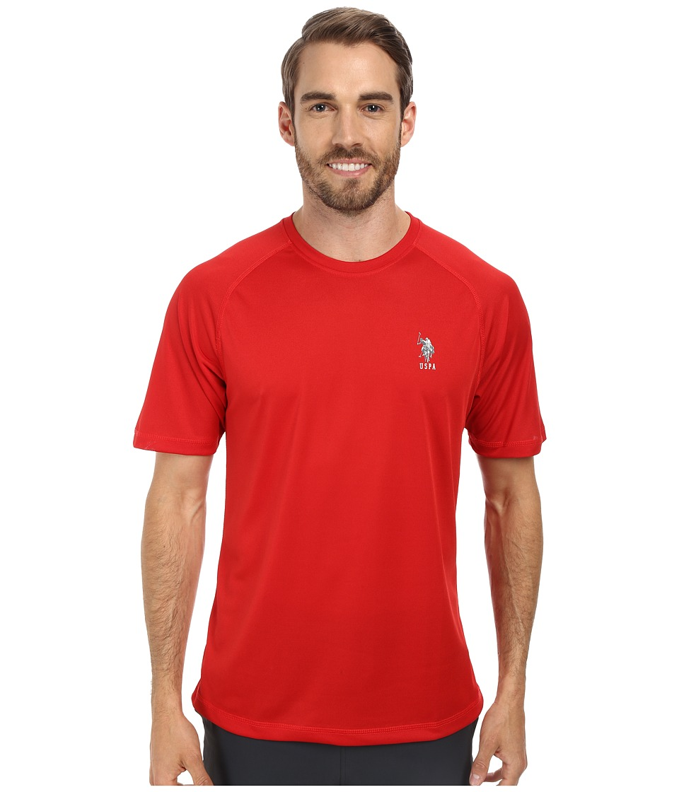 U.S. POLO ASSN. - Solid Rashguard UPF 50+ Swim T-Shirt (Engine Red) Men's Short Sleeve Pullover