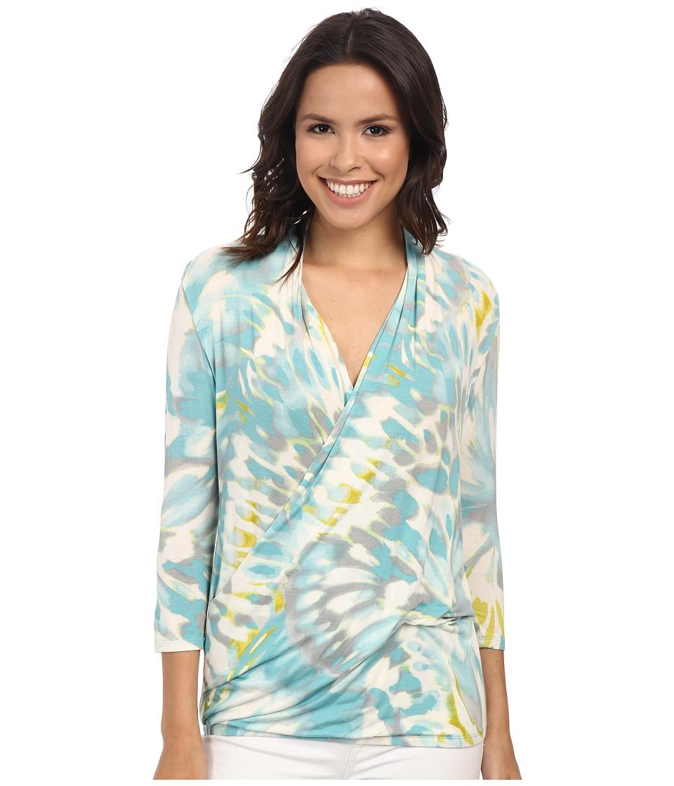 Tommy Bahama - Leopard Splash Top (Heavenly Peace) Women's Long Sleeve Pullover