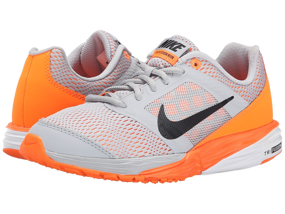 Nike Kids - Tri Fusion Run (Big Kid) (Wolf Grey/Total Orange/White/Black) Boys Shoes
