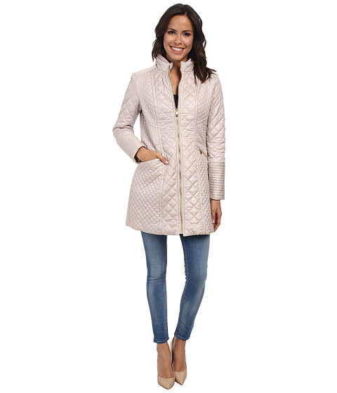 Via Spiga - Quilted Walker with Stand Collar and Front Zip (Oyster) Women's Coat