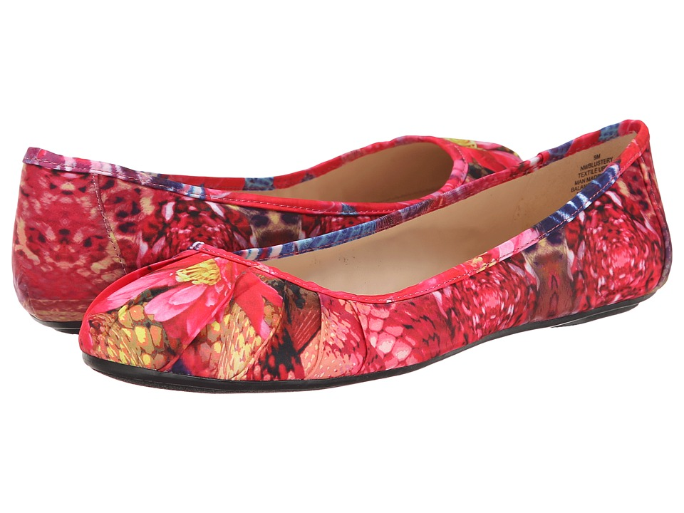 Nine West - Blustery (Red Combo Fabric (Floral Print)) Women's Flat Shoes