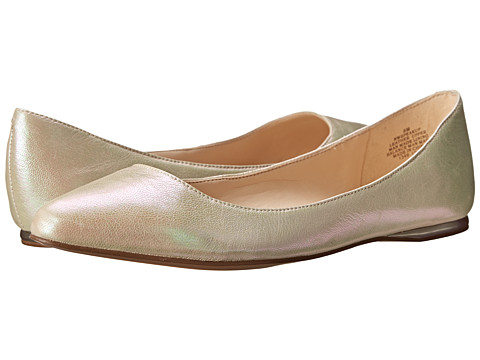 Nine West - SpeakUp (Medium Gold Metallic) Women's Dress Flat Shoes