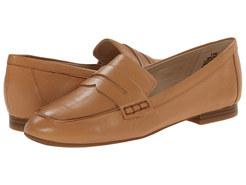 Nine West - Linear (Medium Natural Leather) Women's Slip on Shoes