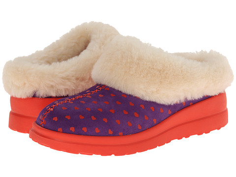 UGG - Dreams (Kiss Hearts Suede) Women's Slippers