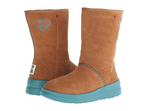 UGG - Kisses Short Skulls (Hazelnut Suede) Women's Boots