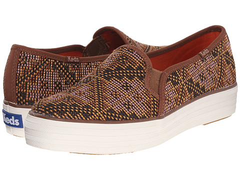 Keds - Triple Decker Needlepoint (Gingerbread Brown Needlepoint) Women's Slip on Shoes