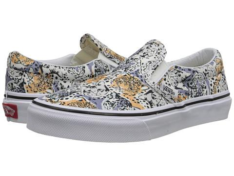 Vans Kids - Classic Slip-On (Little Kid/Big Kid) ((Wild Cat) True White) Girls Shoes