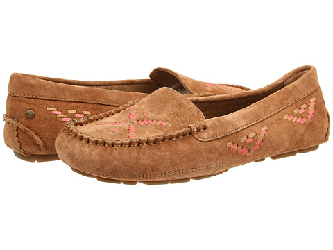 UGG - Calze Rustic Weave (Chestnut Suede) Women's Slip on Shoes