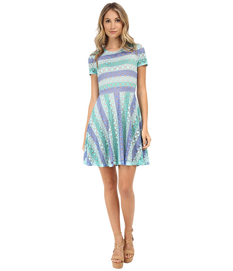 BCBGMAXAZRIA - Renley Short Sleeve Chevron A-Line Dress (Aqua Combo) Women