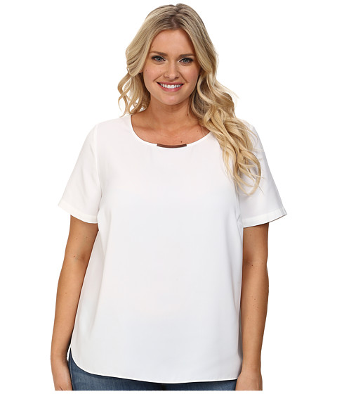 DKNYC - Plus Size Tech Crepe Hi-Low Short Sleeve Top w/ Metal Neck Trim (White) Women