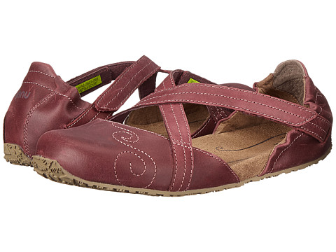 Ahnu - Karma Latitude Leather (Vintage Port) Women's Shoes