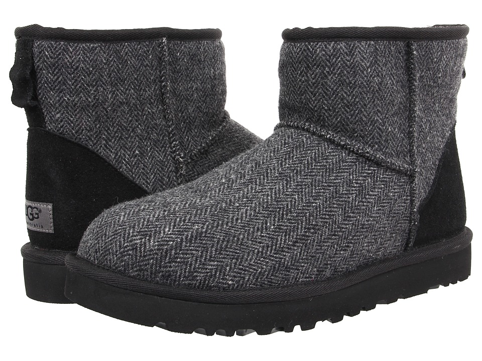 UGG - Classic Mini Tweed (Black Wool) Men's Pull-on Boots