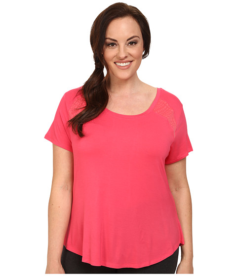 Marika Curves - Plus Size Ella Short Sleeve Tee (Rouge Red) Women