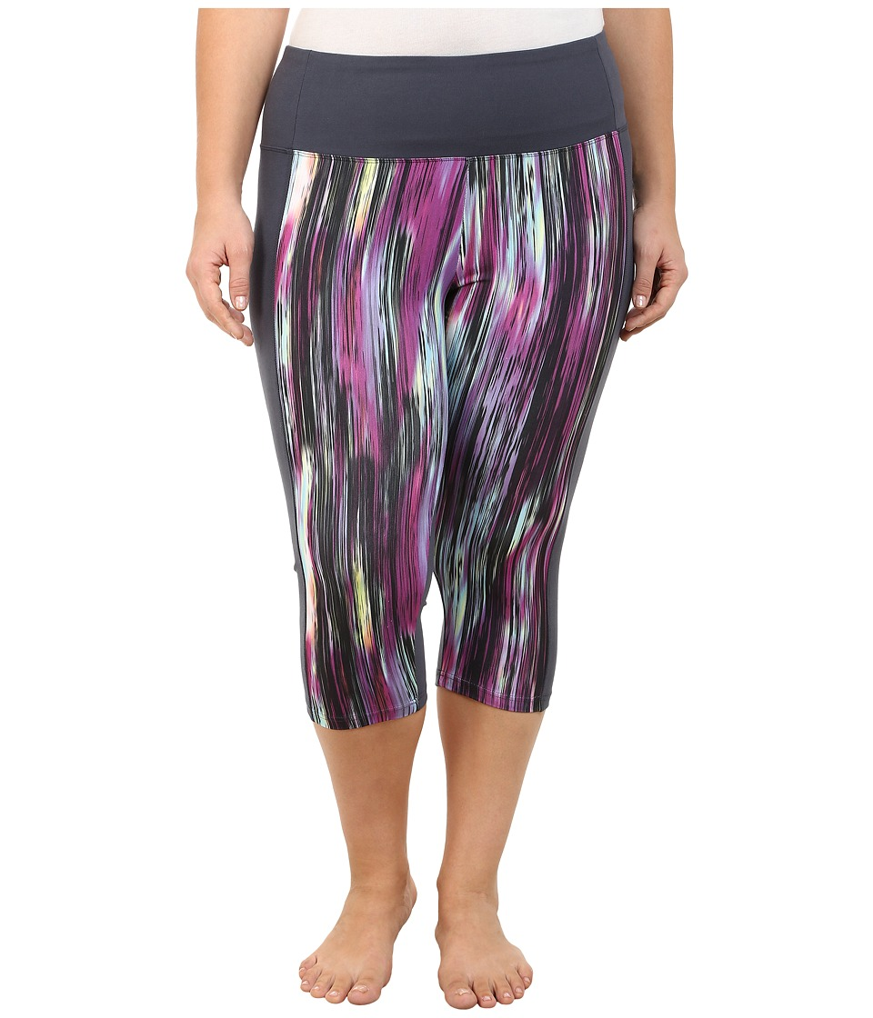 Marika Curves - Plus Size Framed Tummy Control Capri Leggings (Speed of Light) Women