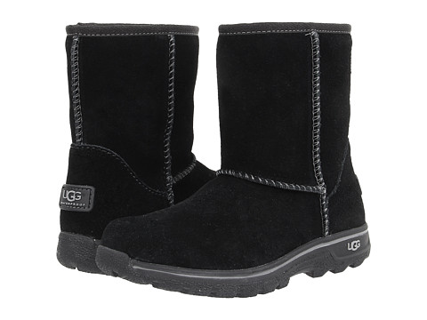 UGG Kids - Lynden (Toddler/Little Kid/Big Kid) (Black) Kids Shoes
