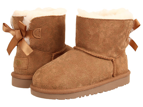 UGG - Mini Bailey Bow Metallic Conifer (Little Kid/Big Kid) (Chestnut) Women