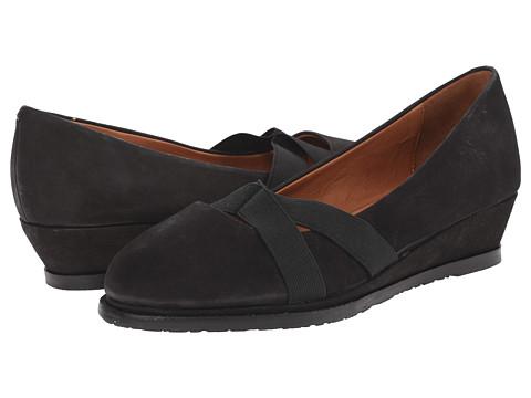 Gentle Souls - Newman (Black Nubuck) Women's Flat Shoes