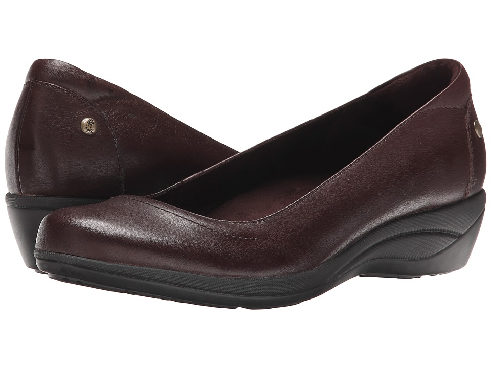 Hush Puppies - Veda Oleena (Dark Brown Leather) Women's Slip on Shoes