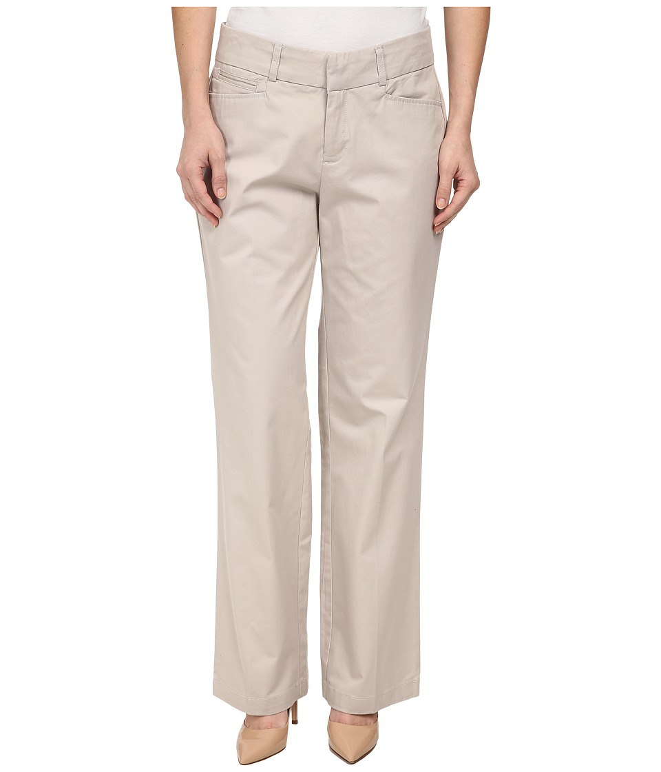Dockers Petite - Petite Metro Trousers (Sand) Women's Casual Pants