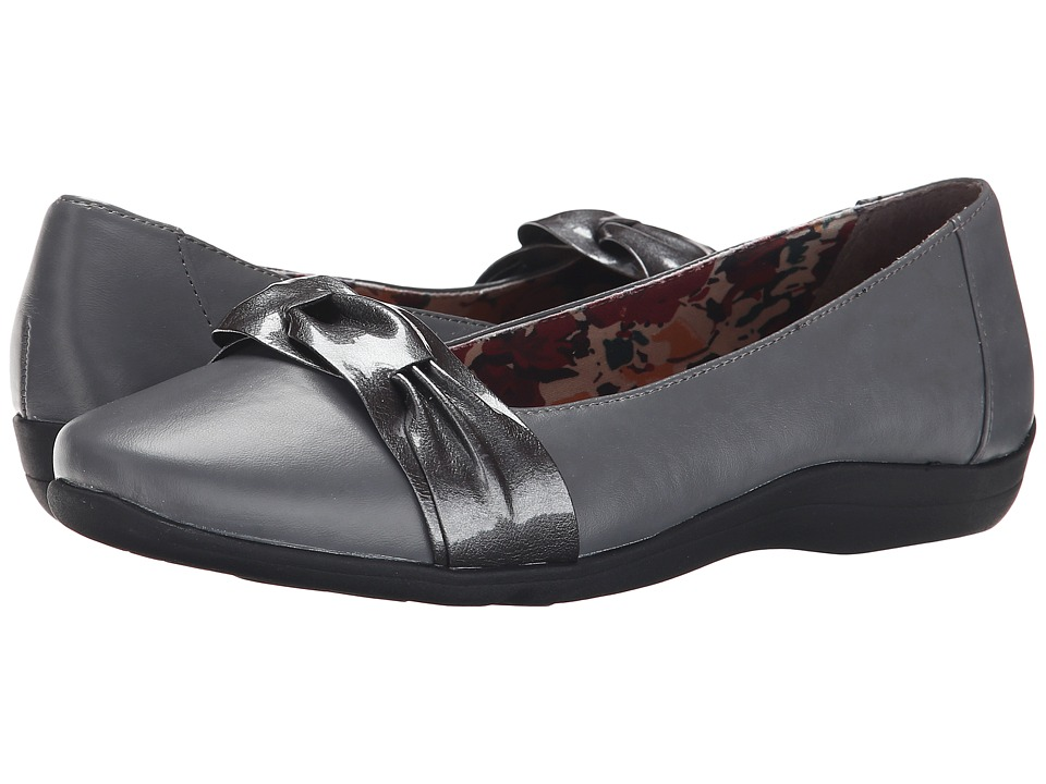 Soft Style - Hava (Dark Grey/Vitello/Pearlized Patent) Women's Dress Flat Shoes
