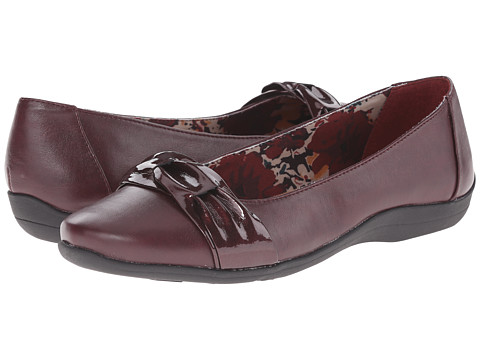 Soft Style - Hava (Port Royal Vitello/Pearlized Patent) Women's Dress Flat Shoes