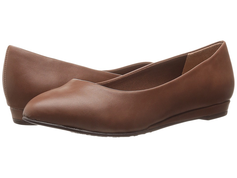 Soft Style - Darlene (Mid Brown Leather) Women's Dress Flat Shoes