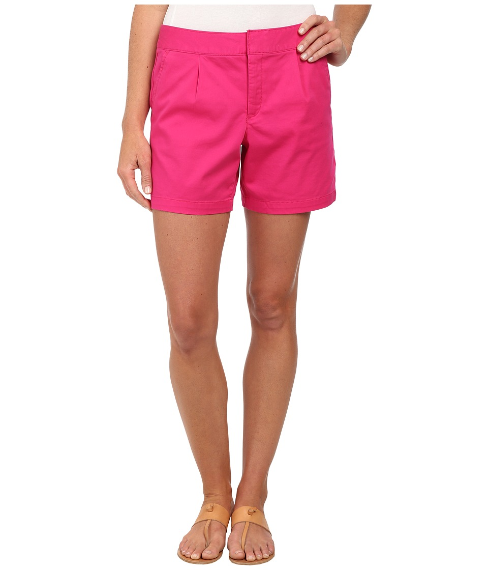 Dockers Misses - Pleated Front Shorts (Fuchsia Purple) Women's Shorts